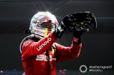"""Vettel: """"Takım benden, herkesten da..."""