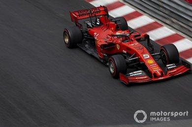Vettel: Aracın ön tarafı o kadar kö...