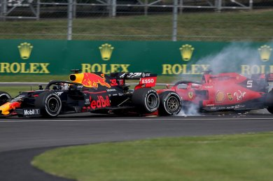 """İtalyan basını """"yine felaket"""" Vettel'e inancını kaybetti"""