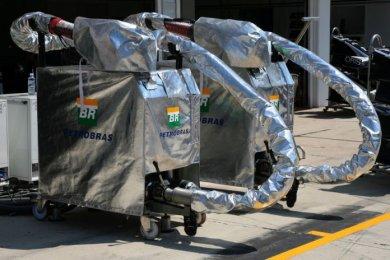 Grosjean: Yakıt ikmali araçları haf...